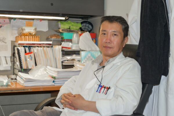 Q&A with Staff Scientist Song-Zhe Li