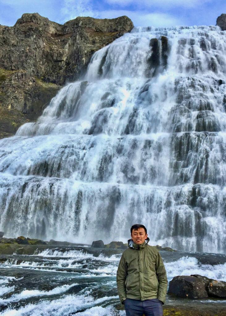 Kevin Zhan falls
